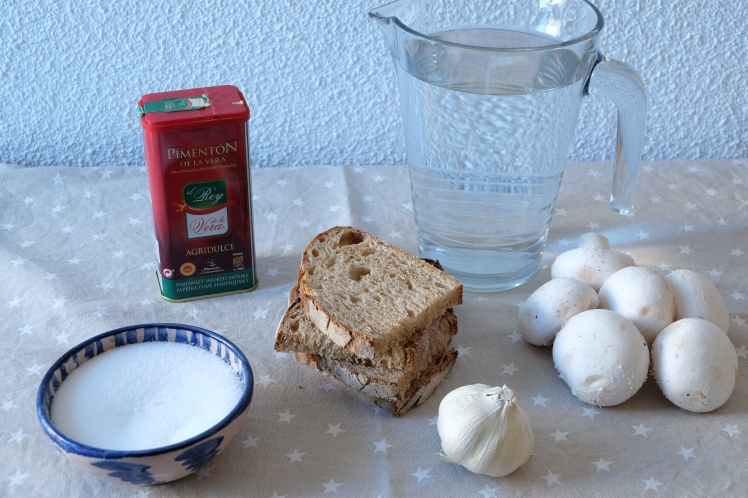 Sopa de ajo y champiñon
