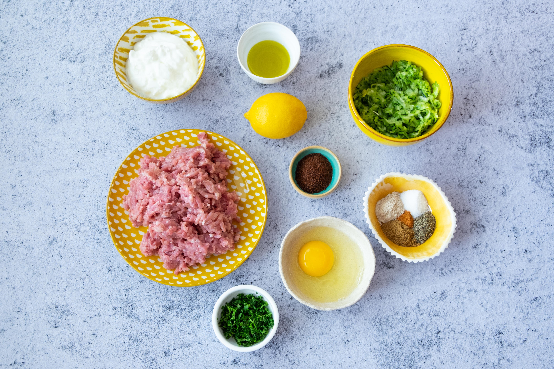 hamburguesas de pavo y calabacin con salsa de yogur